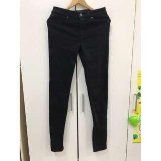 🚚 Uniqlo黑長褲