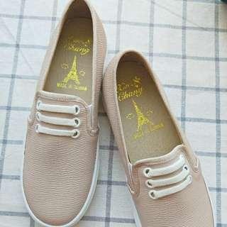 【全新】浪漫粉休閒鞋 鞋標:23.5