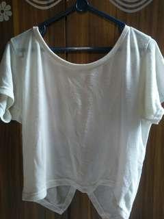 Kaos Crop Wanita Putih