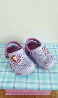 Sepatu Karet Sophia size 21