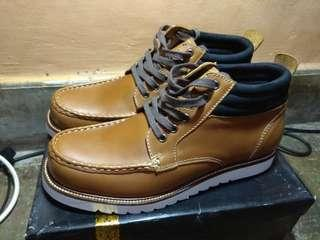 Sepatu Mirko Ciccioli High Top Sneakers Coklat
