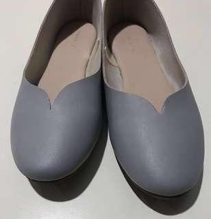 Used Vincci Flat Shoes