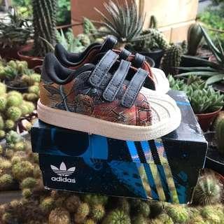Adidas superstar starwars
