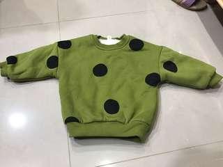 🚚 綠色圓點刷毛上衣