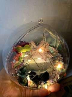 Gift in a customised bubble