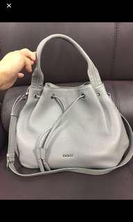 DKNY牛皮手袋(16x10)