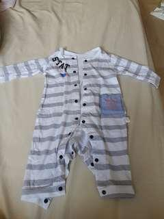 🚚 Long sleeve suit (3 mth)