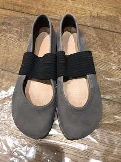 🚚 CAMPER日本購回-皮革娃娃鞋