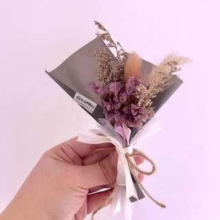 🚚 Dried Flower Small Bouquet, the perfect gift for aany occasions:  birthday/ Anniversary/ thank you/ farewell