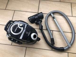 Bosch GS-40 免塵袋吸塵機