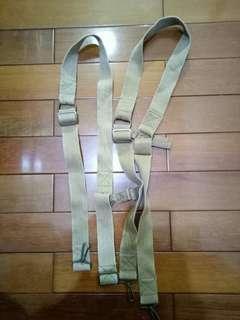 🚚 迷彩褲卡其色吊帶扣環,2入,8成新