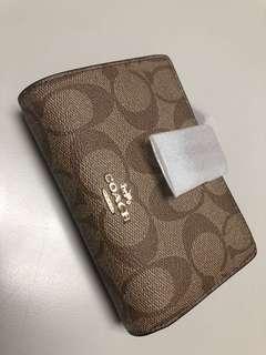 ⁉️LAYAWAY⁉️Coach Medium Zip Wallet