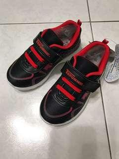 🚚 男童 全新運動鞋19Cm