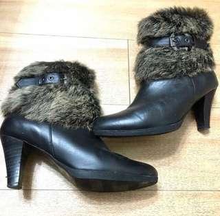 🚚 專櫃毛毛牛皮靴24