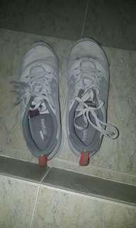 🚚 Reebok Running Shoes