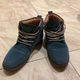 Sepatu Ankle Boots Bahan Suede