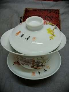 8O's old style tea cup with pretty hand printed pictures.