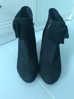 Stage of playlord lace black boots