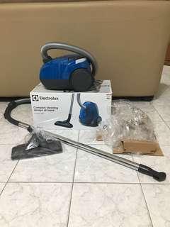 Electrolux vacuum compactgo