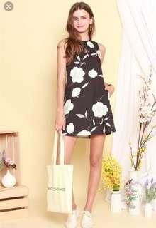 BNIP TAG Watercolour Floral Trapeze Dress in Black