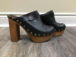 Jeffrey Campbell Woodies Size 6