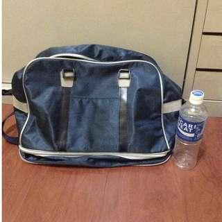 🚚 深藍色 加層行李袋 背袋