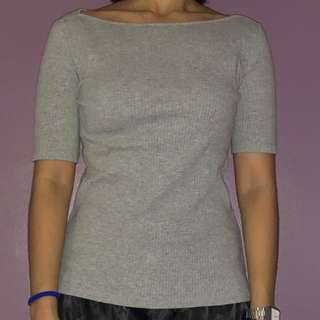 Uniqlo boatneck grey top