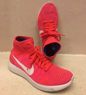 Nike 襪套慢跑鞋