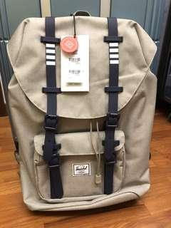 BNWT Authentic Hershel Backpack