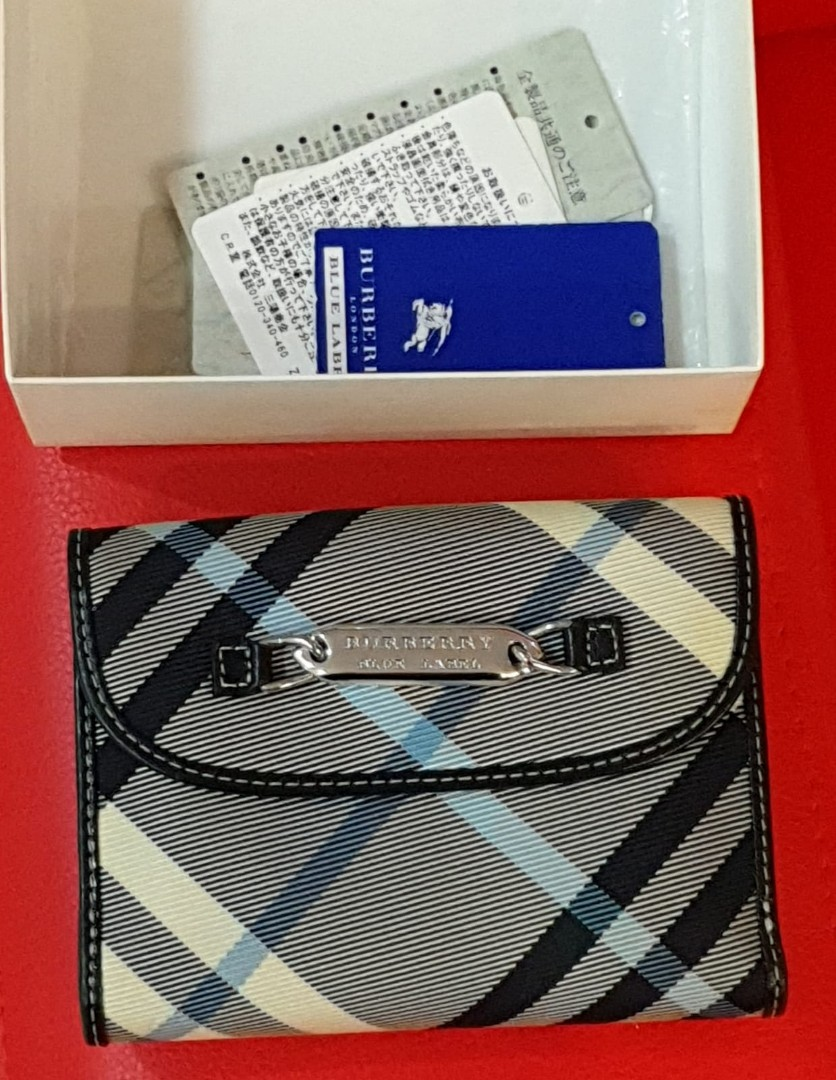 87234cb2bab9 Genuine Burberry Blue label short wallet