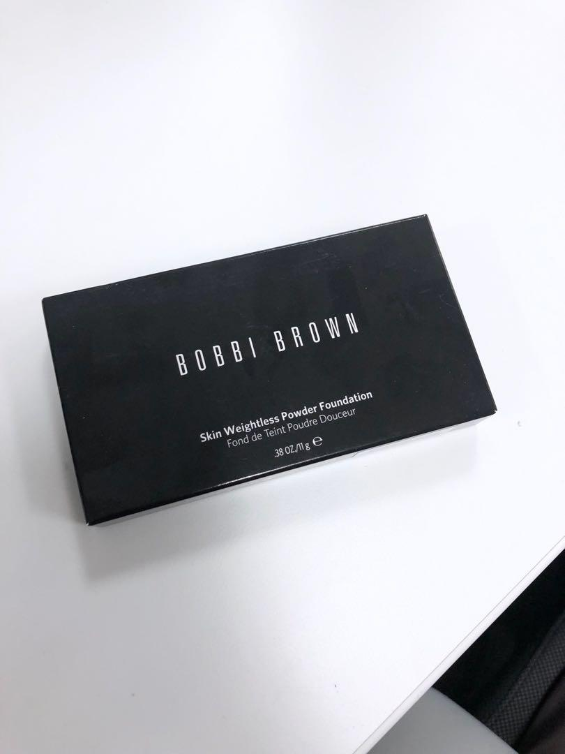 BNIB Bobbi Brown Skin Weightless Powder Foundation