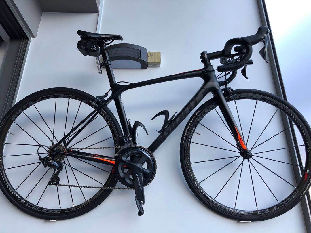 a46cbc758b2 Giant TCR Advance Pro (Frame), Bicycles & PMDs, Bicycles, Road Bikes on  Carousell