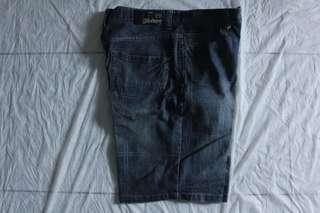 Celana pendek Billabong