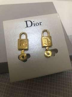 Dior new authentic gold  color key lock 夾耳環 clip earrings