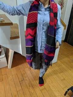 🚚 民俗搭配圍巾