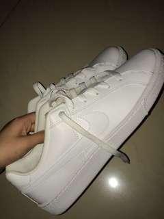 NEW ORIGINAL Nike White Sneakers