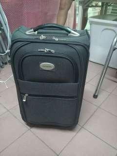 中小型行李箱