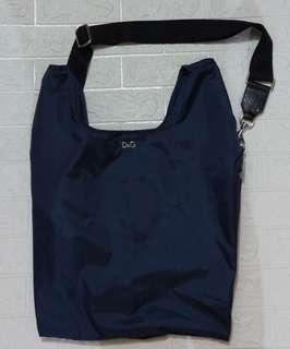 dolce & gabbana 副線D&G型格寶藍色尼龍背心袋 可兩用 有長帶可除下 可斜孭/手拎