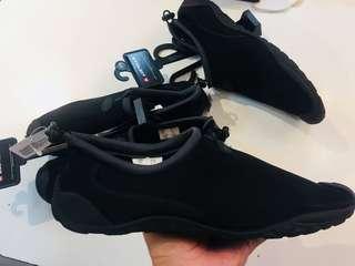 Airwalk aqua shoes