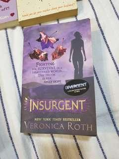 English novel. Insurgent by Veronica Roth. Young adult.