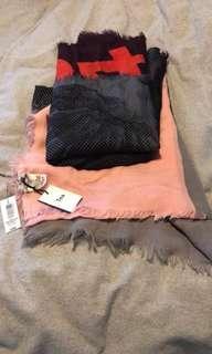 TNA scarf blanket