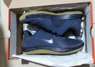 Brandnew Nike Basketball shoes Nike FLy By size 10.5 Us mens like kobe kd joedan lebron cp3 melo lillard drose pg13 kyrie anta peak shoes under armour