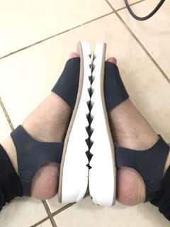Sepatu sandal docmart navy biru tua 38
