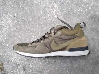 Nike internationalist High