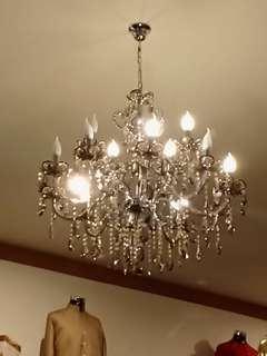 LAMPU CHANDELIER CRYSTAL... lampu gantung