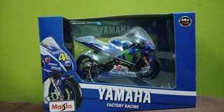 Diecast yamaha factory racing no. 46 1:18