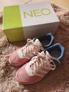 Adidas 粉藍拼接麂皮休閒鞋