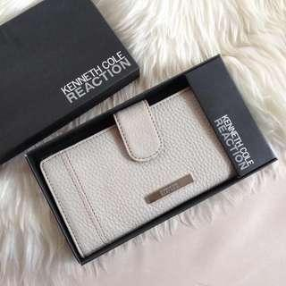 Kenneth Cole Reaction Clutch Wallet in Cream Brand New & Authentic