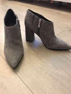 Marc Fisher grey suede heels in size 6