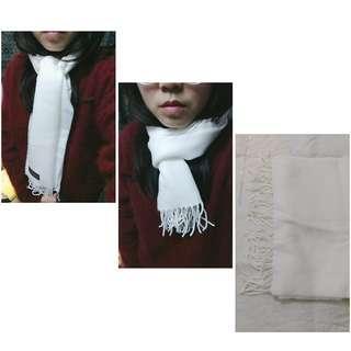 羊毛純白小圍巾
